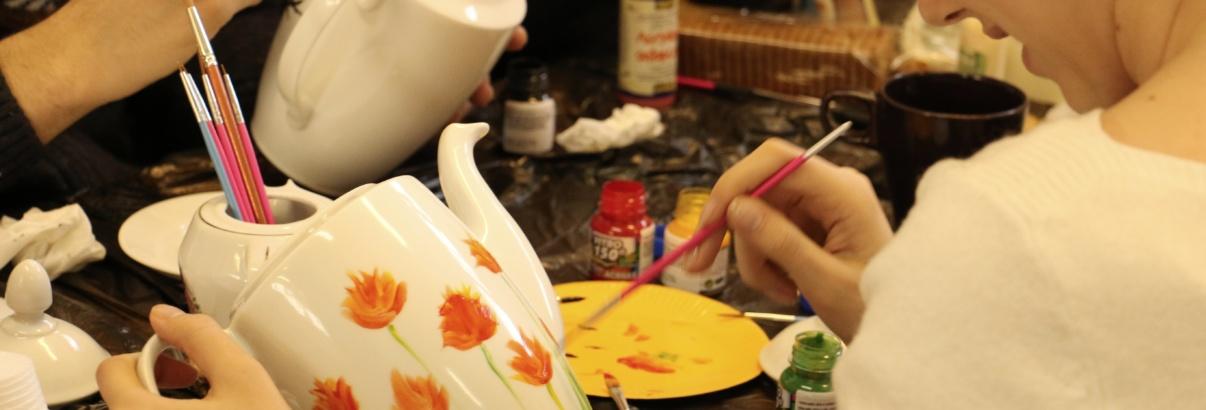 Atelierul de pictură pe ceramică